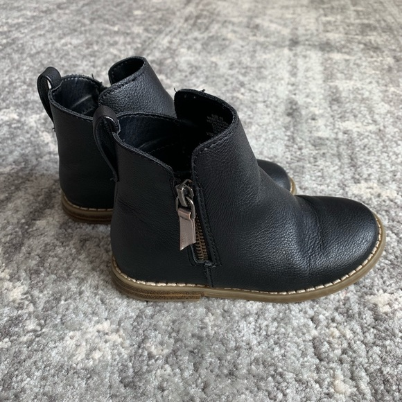 GAP Other - Gap Toddler Girl Faux Leather booties